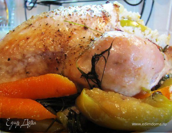 Курица, маринованная в соевом соусе, с рисом и яблоком