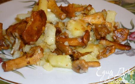 Рецепт Жареный молодой картофель с лисичками.