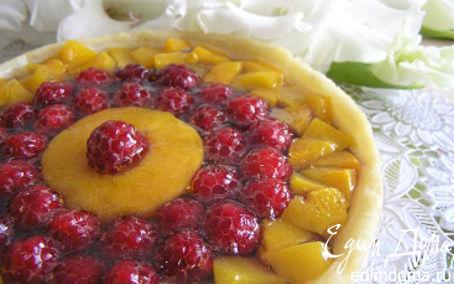 Рецепт Малиновый пирог с персиком и вишней