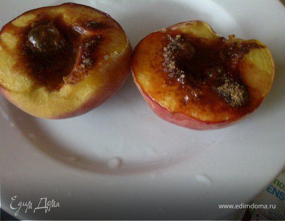 Запеченные персики с корицей