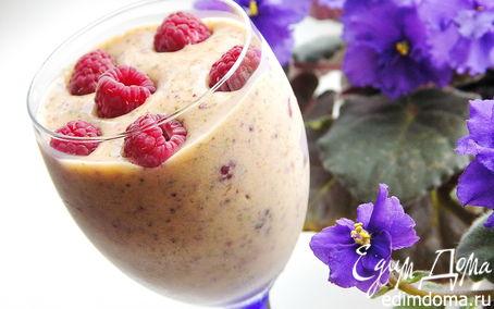 Рецепт Персиковый десерт с мятой и малиной.