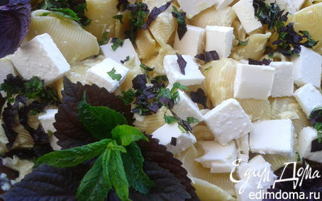 Рецепт Лумакони с фетой и базиликом