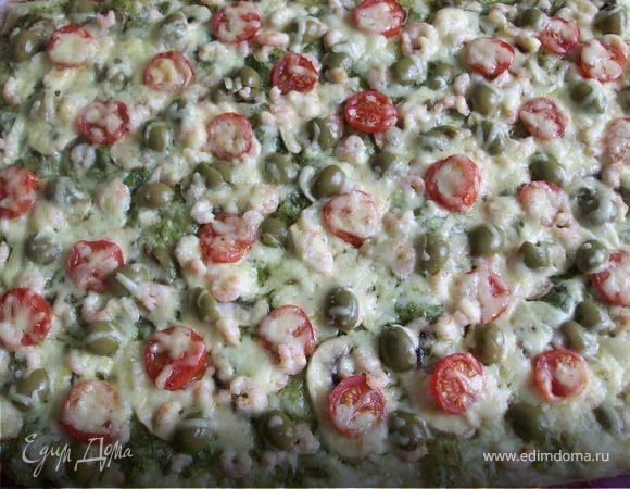 Пицца с креветками и соусом песто