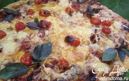 Рецепт Пицца с вяленым мясом и запеченными помидорами.