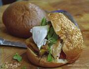 Сэндвичи с курицей, помидорами и перцем