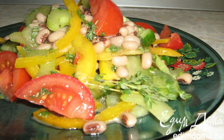 Рецепт Летний салатик с фасолью в греческом стиле