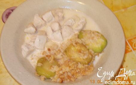 Рецепт Тушёная курочка с рисом и кабачком