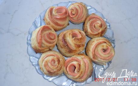 Рецепт Розочки слоеные с колбасой