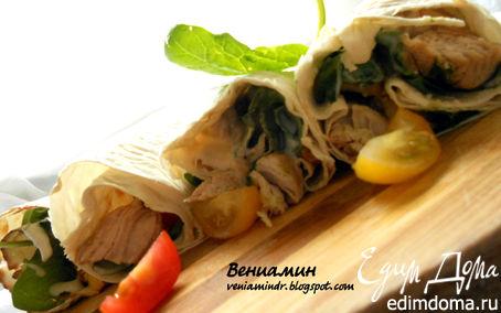 Рецепт Роллы с куриным филе, помидорами и шпинатом