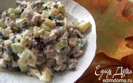Рецепт Салат с курицей и грибами (по мотивам Оливье)