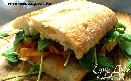 Рецепт Сэндвич с печеными овощами, руколой и беконом