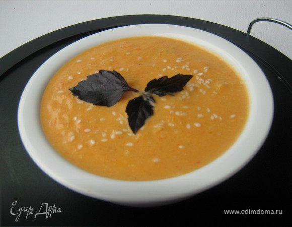 Суп из запечённой тыквы с грушами, сладким перцем и имбирём