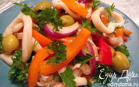 Рецепт Салат с кальмарами и перцем