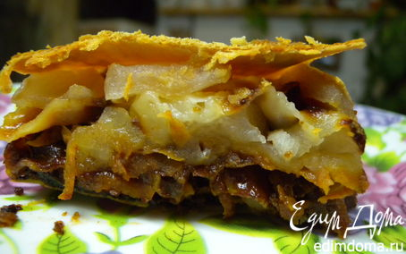 Рецепт Пирог с яблоками, сельдереем и сушеной грушей