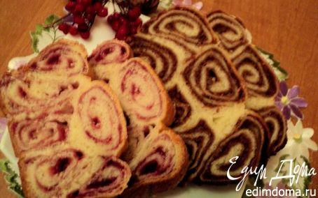 Рецепт Пирог йогуртовый с ореховой и ягодной начинками.