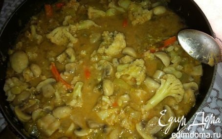 Рецепт Грибы с овощами в арахисовом чили-соусе