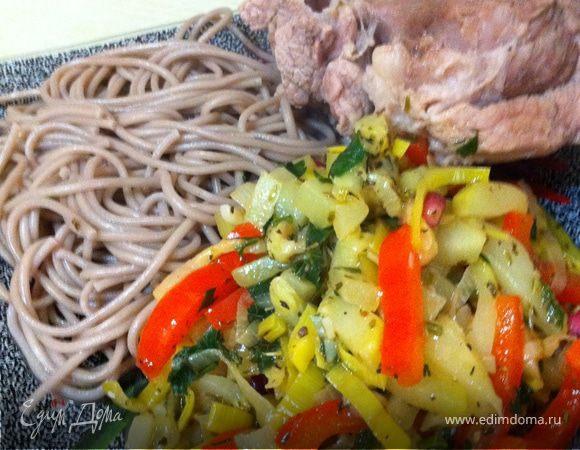 СМЕСЬ ВРЕМЕН (мясо на кости+гречневая лапша+овощи)