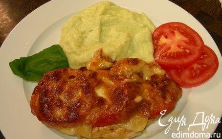Рецепт Куриная грудка, запеченная с томатами и моцареллой