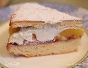 Пирог с персиками и взбитыми сливками