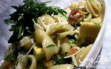 Рецепт Паста с маринованной семгой, авокадо и руколой