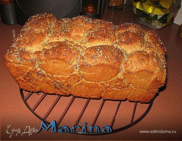 Обезьяний картофельный хлеб с травками и чесноком