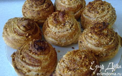 Рецепт Булочки с арахисом и корицей.