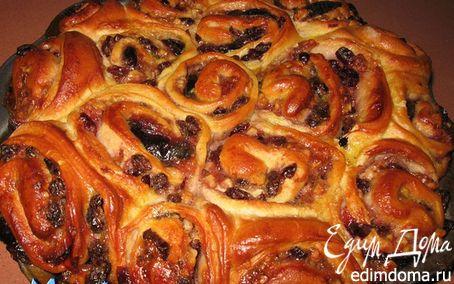 Рецепт Пирог розочки со сливовым вареньем, сухофруктами и орехами в хлебопечке