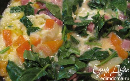 Рецепт Омлет со шпинатом, окороком и овощами