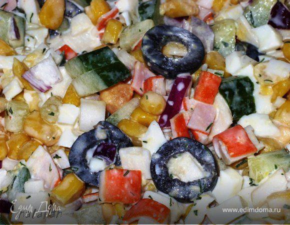 Красивый салат из крабовых палочек