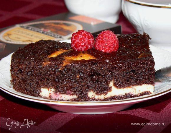 Брауни с творожно-сливочным сыром и малиной