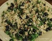 Пряный салат с курицей и рисом