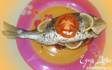 Рецепт Дорада запечённая с помидором, лимоном и зеленью.