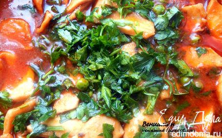 Рецепт Кальмары с вином, томатами и зеленым горошком