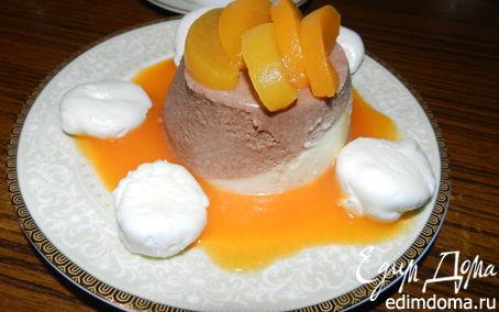 Рецепт Шоколадно-фруктовый баваруа с маринованными персиками, абрикосовым кули и нежнейшими меренгами
