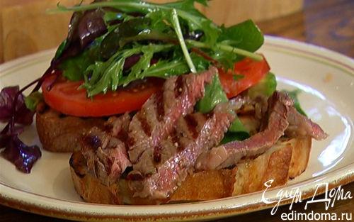 Рецепт Сэндвич со стейком, помидором и авокадо