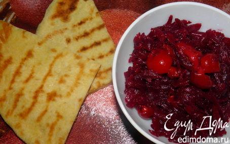 Рецепт Салат из свеклы с нежнейшими лепешками