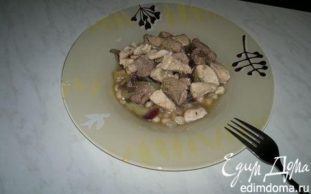 Рецепт Похлебка из белой фасоли с бедром индейки и куриной грудкой, тушеный перец и красный лук