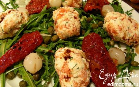 Рецепт Закусочные шарики из копченого лосося и сыра и салат с ними