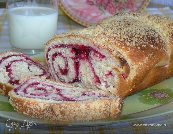 Хлеб со штрейзелем и смородиной