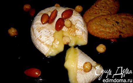 Рецепт Запечённый бри с глазированными орехами