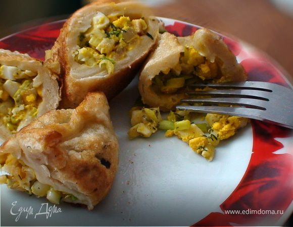 Жареные пирожки с яйцом и луком по-татарски