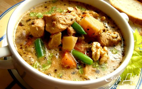 Рецепт Суп из индейки с фасолью и грецкими орехами