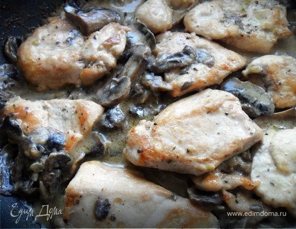 Нежнейшее куриное филе в сливочно-грибном соусе