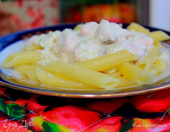 Паста с семгой в сливочно-сырном соусе