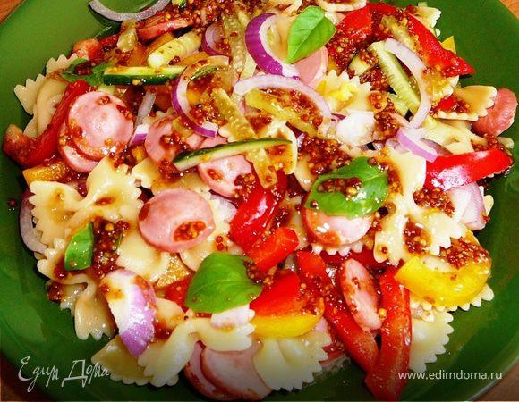 Теплый салат с фарфалле