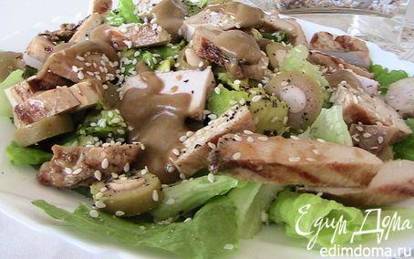 Рецепт Салат с авокадо и куриной грудкой