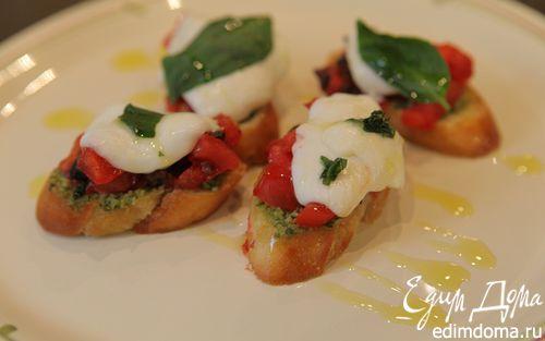Рецепт Брускетта с моцареллой, помидорами и базиликом