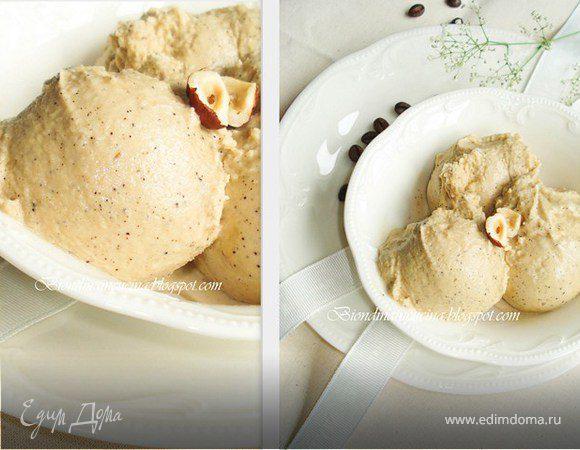 Кофейное мороженое с фундуком