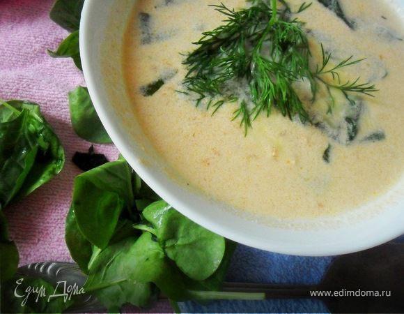 Сливочный суп с форелью и шпинатом