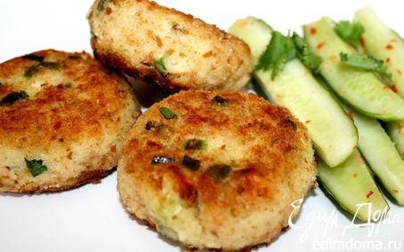 Рецепт Котлеты из копченой рыбы с огуречным салатом